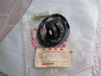 HONDA C92 CA92 C95 CA95 CS95 CB92 CB95 CA160 FRONT ARM BUSH SET NOS JAPAN KAWATA