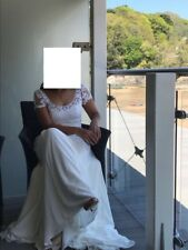 Size 10-12 Ivory Wedding Dress/ Bridal Gown with lace detailing to bodice