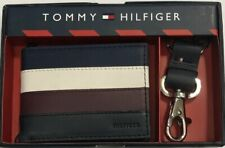 New Tommy Hifilger Men's Leather Slim Passcase W/Keyfob Wallet Navy Color $23.50