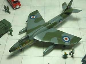 Hawker Hunter FGA.9 54 Sqn RAF 1/72 kit built & finished for display