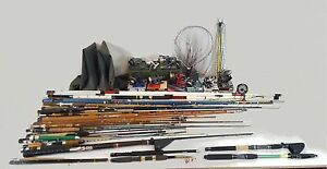 GREAT LOT OF FISHING. 27. RODS. 10 REELS. 2 NETWORKS. WATERPROOF BOOTS. BRIEFCAS