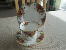 ROYAL ALBERT OLD COUNTRY ROSES TRIO (TEA CUP & SAUCER AND TEA PLATE)