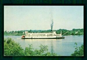 Postcard The Delta Queen Paddle Wheel Steamer in Cincinnati Ohio. X