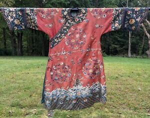 ANTIQUE 19TH C FLORAL & BUTTERFLY EMB SILK CHINESE ROBE W HUGE HORSE HOOF CUFFS