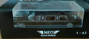 NEO  45335 Lincoln TownCar Limousine black  very rar 1/43 OVP