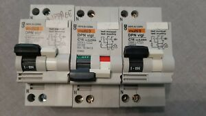 Disjoncteur différentiel  Merlin Gerin DPN vigi C16A 30mA  20902