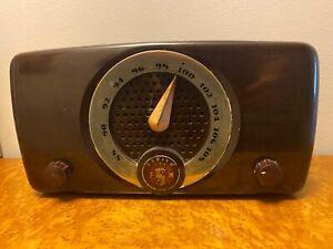 V NICE Bakelite Zenith FM Radio Model 7H918 1940s