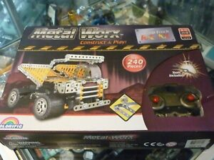 METAL WORX / REMOTE CONTROL DUMP TRUCK KIT / CONSTRUCT & PLAY - TOOLS INCLUDED !