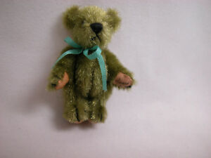 "World Of Miniature Bears By Theresa Yang 1.5"" Bear #257 Avocado CLOSINg"