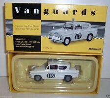 Véhicules miniatures blancs Vanguards sous boîte fermée