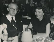 JENNIFER JONES ALEXANDER KORDA Vintage 1940s CANDID Studio Press Photo