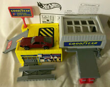 MATTEL Hot Wheels GOODYEAR Service Center #65730