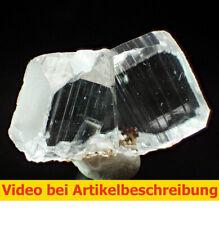 7201 Calcite Twin ca 3*2*2 cm 2008 Wuzhou China MOVIE