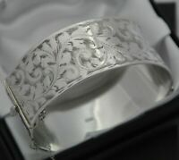 1962 Vintage Wide & Heavy Solid 925 Silver Scroll Design Hinged Bangle Bracelet
