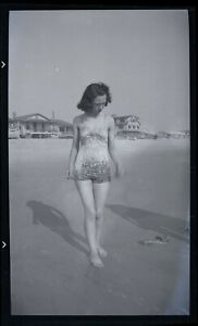 LQQK vintage 1940s negative, LOVELY OLD SCHOOL BEACH GAL OF YESTERYEAR #50