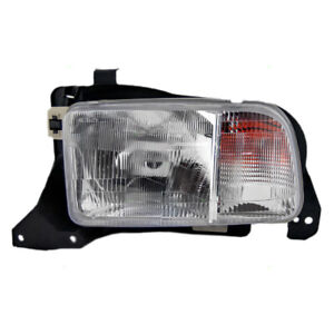 Headlight fits 1999-2004 Chevrolet Tracker Driver Side Headlamp Housing Assembly