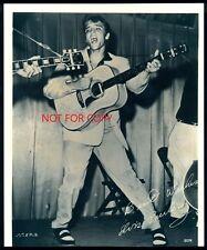 ELVIS PRESLEY 1950`s B&W Pro PHOTO SIZE 8x10 Amazing live show photograph