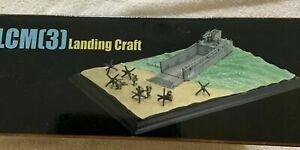 Dragon Armor 1:72 LCM3 Landing Craft w/Rangers Diorama No. 60205