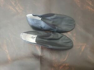 Leather slippers women Size 8