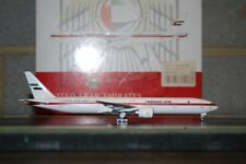 Phoenix 1:400 United Arab Emirates Boeing 777-300ER A6-SIL (PH10464) Model Plane