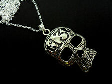 A LOVELY TIBETAN SILVER SKULL NECKLACE. GOTH. NEW.