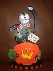 Wood Plaque Home Decoration ( Cat on Pumpkin)