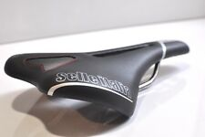 Selle Italia SLR Flow black leather TI 316 rails carbon fibre