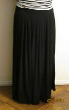 Modest Long pleated Slinky skirt great for travelling size small