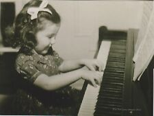"*Postcard-""Little Girl Playing Piano...Solo""  -Classic- (B353)"