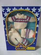 """Vêtements poupée vintage Baby Julien """"Sports d'hiver"""" Ref. 9935 / Toyse [ Neuf ]"""