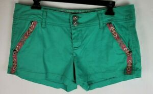Daytrip Womens Size 30 Green Capricorn Indian Style Embroidered Short Shorts