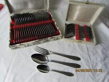 coffrets ménagère 12 fourchettes 12 couteaux 12  cuillères à café art déco