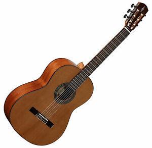 Alvarez Artist Series AC65 Classical  Guitar Natural Solid Cedar Top