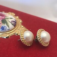 Pierced Power Dressing Catwalk 1980,s/90,s Vintage Sarah Coventry Pearl Earrings