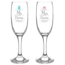 PERSONALISED MR & MRS CHAMPAGNE FLUTE GLASSES SET Anniversary Wedding Gift Idea