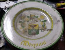 Piatto pompa con stemma famiglia Magnani dipinto a mano Deruta