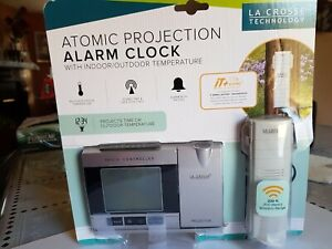 LA CROSSE TECHNOLOGY Atomic Projection Alarm WT-5220U-IT-CBP.