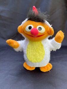 VTG Fisher Price Sesame Street Chicken Dance Ernie Singing Dancing Figure 2003