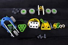 LOT OF MECCANO JUNIOR B841 CAR WITH SOME EXTRAS