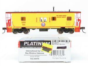 HO Scale Walthers Platinum Line 932-40475 URR Union Bay Window Caboose #104