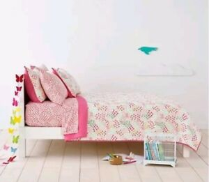 Pillowfort Fetching Floral Pink Twin Quilt ~ New ~ Cotton