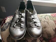 Ecco Womens Vibration Toggle Platinum Leather Athletic Comfort Shoe Sz 40 / 9