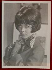 THE AVENGERS - Card #17 - AGENT 69 - Cornerstone 1992 - Linda Thorson
