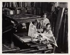 MOULIN ROUGE Atelier Litho Affiche TOULOUSE LAUTREC Huston Ferrer Photo 1952 #2