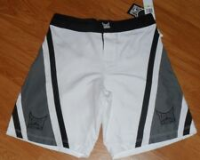 TAPOUT BOARD SURF SWIM SUIT SIZE 30 YOUNG MENS WHITE & BLACK NWT