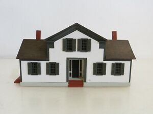 Vintage Hand Made G&M Gudgel Miniature White House