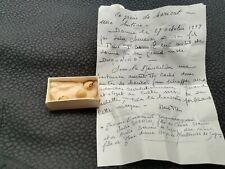 Boite mysterieuse avec lettre explicative