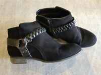 New Look 915 size 5 (38) black faux suede side zip block heel ankle boots