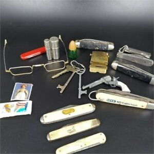 *Grandpa's Vtg Junk Drawer Small Collectibles Lot Knives,Lighters, Keys & More!