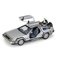 1:24 DeLorean DMC-12 Back to the Future 2 Time Machine Model Car Flying Wheels